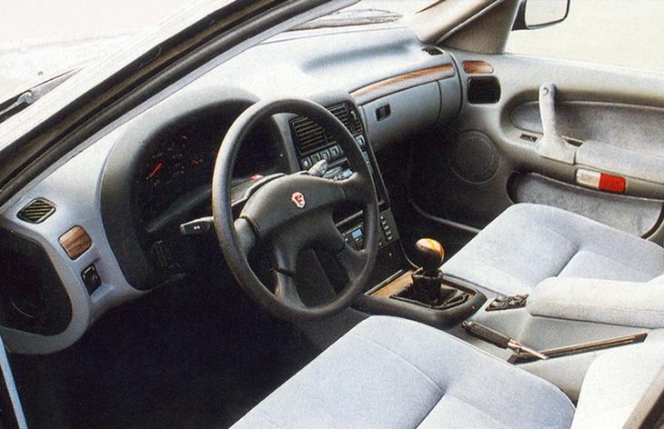 Интерьер седана ГАЗ-3105 «Волга», 1992–1996